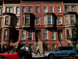 New law eliminates broker fee for those renting an apartment